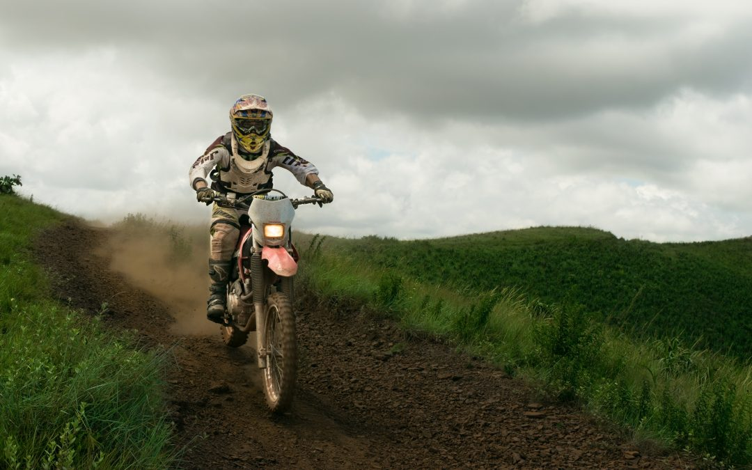 Practici adecvate de echitatie motocicleta